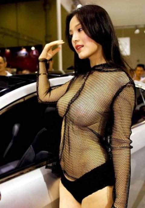 【おっぱい】中国、韓国のイベントで過激な衣装に身を包んだコンパニオンの女の子のおっぱい画像がエロすぎる!【30枚】 13