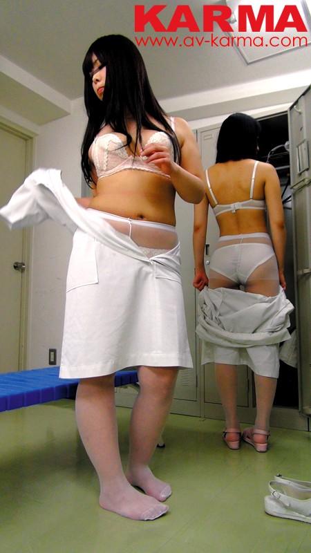 【おっぱい】病院の更衣室で生着替えを盗撮されたナースさんのおっぱい画像がエロすぎる!【30枚】 10