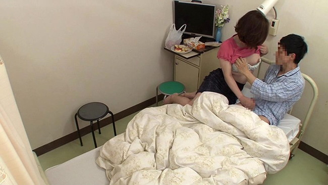 【おっぱい】病院にお見舞いに来てエッチなことをしちゃった女の子のおっぱい画像がエロすぎる!【30枚】 06