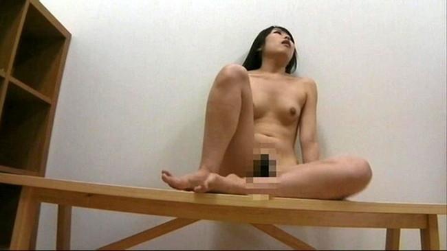 【おっぱい】女子寮のお風呂の脱衣所で盗撮されてしまった女の子のおっぱい画像がエロすぎる!【30枚】 08