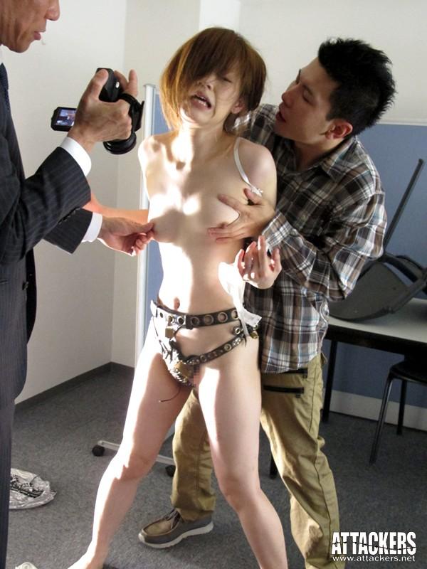 【おっぱい】奴隷として支配された者につけられる貞操帯の女性のおっぱい画像がエロすぎる!【30枚】 05