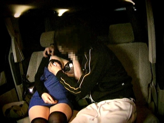 【おっぱい】送迎ドライバーさんとエッチなことをしちゃっている女の子のおっぱい画像がエロすぎる!【30枚】 04