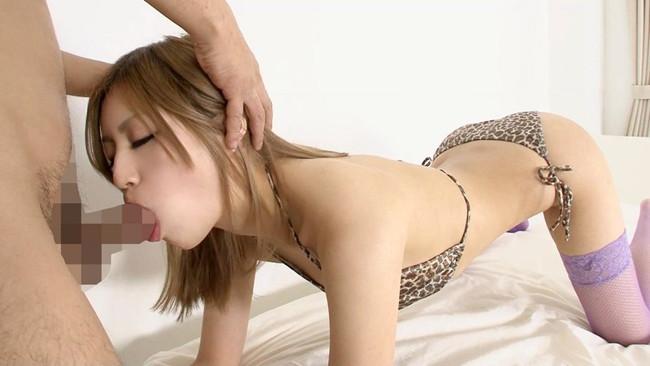 【おっぱい】セックスのような腰振りでフェラチオを受け入れている女の子のおっぱい画像がエロすぎる!【30枚】 20