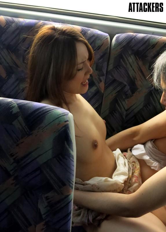 【おっぱい】行く先もわからない痴漢バスで犯される女の子のおっぱい画像がエロすぎる!【30枚】 04