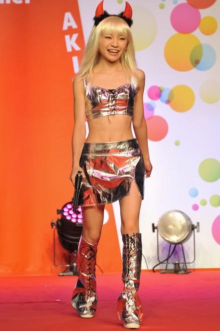 【おっぱい】イベントや舞台で登場するグラビアアイドルたちのおっぱい画像がエロすぎる!【30枚】 08
