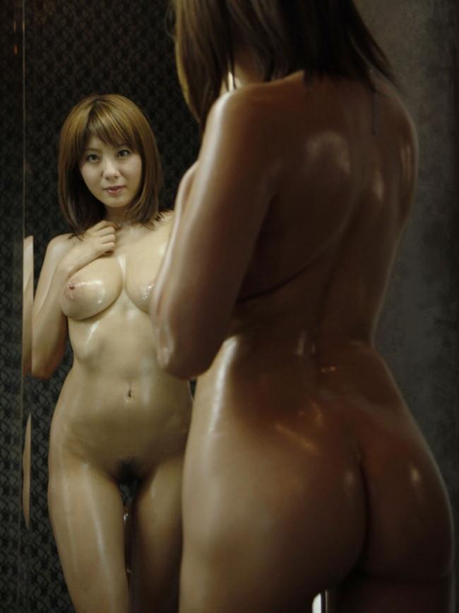 【おっぱい】鏡越しでおっぱいを見せつけてくる女の子のおっぱい画像がエロすぎる!【30枚】 05