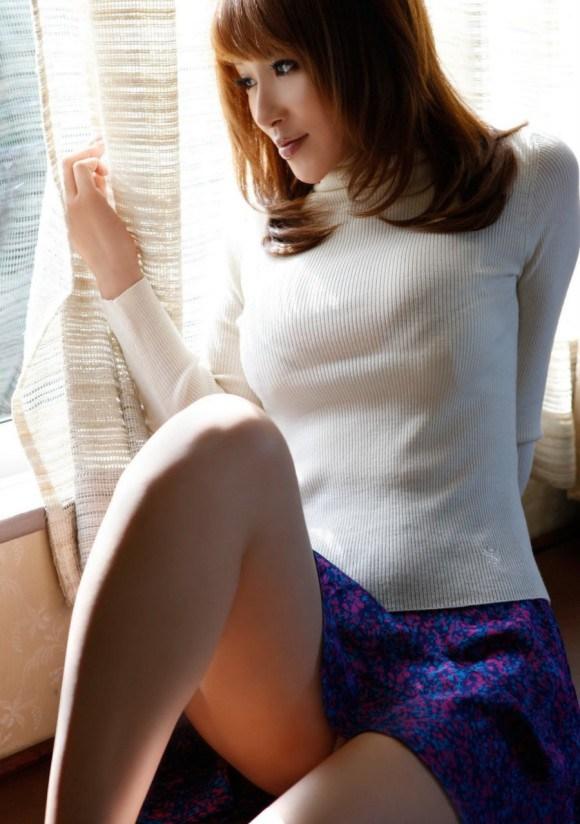 【おっぱい】あったかそうなセーターを着て、大きなおっぱいを主張してくる女の子の画像がエロすぎる!【30枚】 17