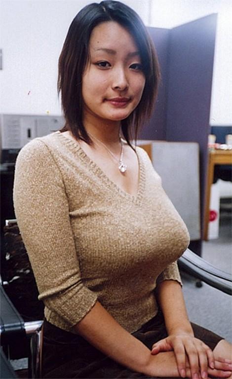 【おっぱい】あったかそうなセーターを着て、大きなおっぱいを主張してくる女の子の画像がエロすぎる!【30枚】 18