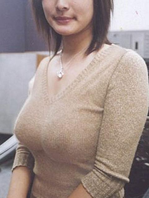 【おっぱい】あったかそうなセーターを着て、大きなおっぱいを主張してくる女の子の画像がエロすぎる!【30枚】 29