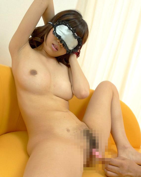 【おっぱい】なかなか使い込まれている黒ずんでいる乳首の女の子のおっぱい画像がエロすぎる!【30枚】 23