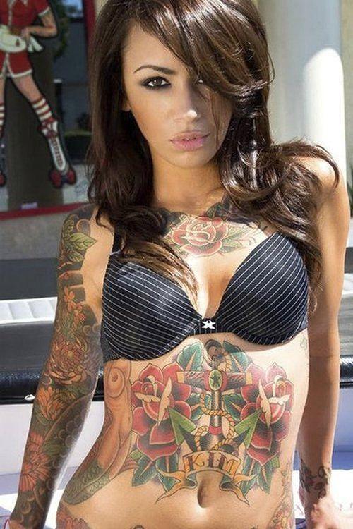【おっぱい】体の一部や全身にタトゥーを入れている女性のおっぱい画像がエロすぎる!【30枚】 15
