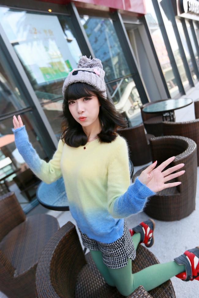 【おっぱい】可愛いニット帽を被りながらエッチな感じになっている女の子のおっぱい画像がエロすぎる!【30枚】