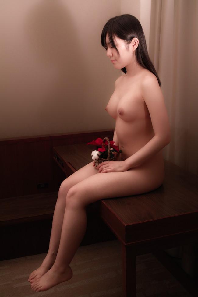 【おっぱい】ツヤツヤで黒々とした日本固有の黒髪の女の子のおっぱい画像がエロすぎる!【30枚】 04