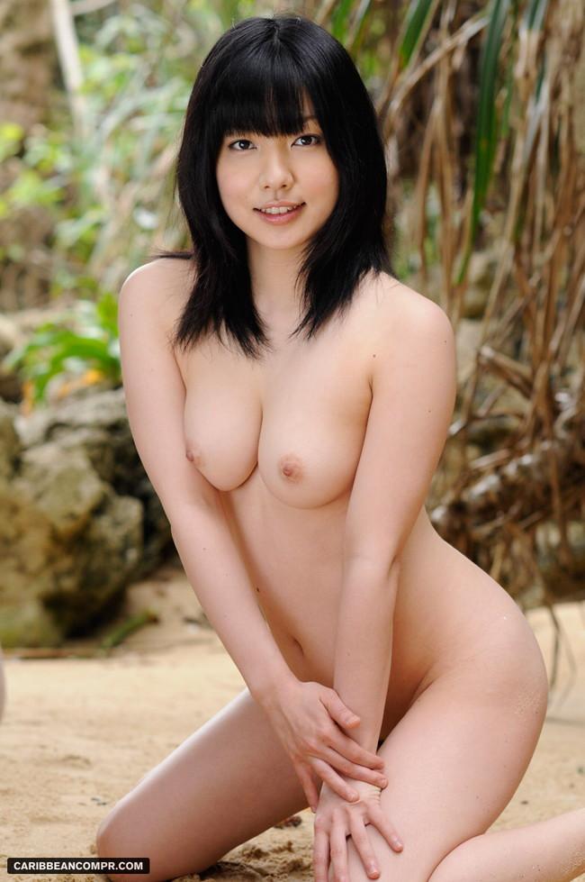 【おっぱい】ツヤツヤで黒々とした日本固有の黒髪の女の子のおっぱい画像がエロすぎる!【30枚】 07