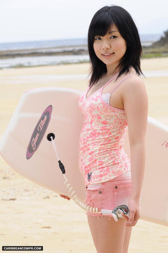 【おっぱい】ツヤツヤで黒々とした日本固有の黒髪の女の子のおっぱい画像がエロすぎる!【30枚】 12