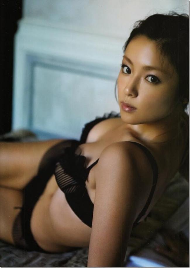 【おっぱい】可愛くておっぱいの大きな深キョンこと深田恭子さんのおっぱい画像がエロすぎる!【30枚】 28