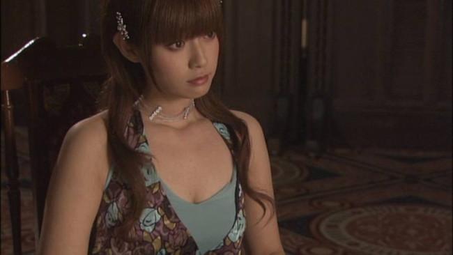 【おっぱい】可愛くておっぱいの大きな深キョンこと深田恭子さんのおっぱい画像がエロすぎる!【30枚】 30