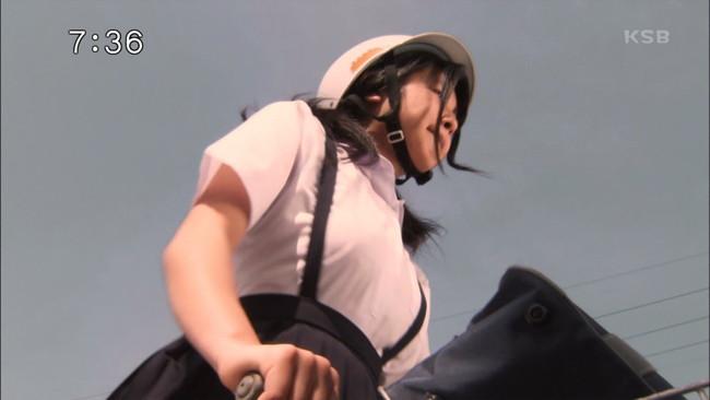 【おっぱい】ヘルメットをかぶりながらエッチなことになっちゃっている女の子のおっぱい画像がエロすぎる!【30枚】 09