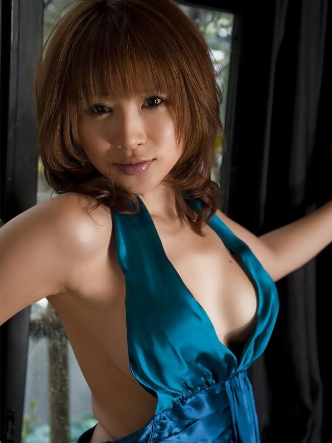 【おっぱい】バラエティでもグラビアでも大人気な手島優ちゃんのおっぱい画像がエロすぎる!【30枚】 11