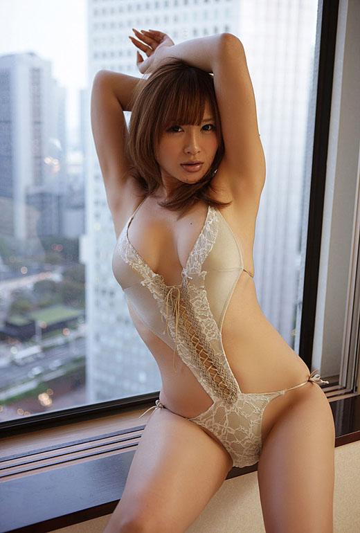 【おっぱい】バラエティでもグラビアでも大人気な手島優ちゃんのおっぱい画像がエロすぎる!【30枚】 16