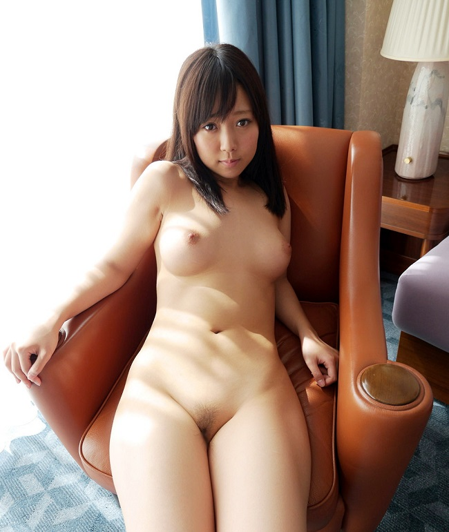 【おっぱい】椅子に座りながらもエッチなことになっちゃっている女の子のおっぱい画像がエロすぎる!【30枚】 11