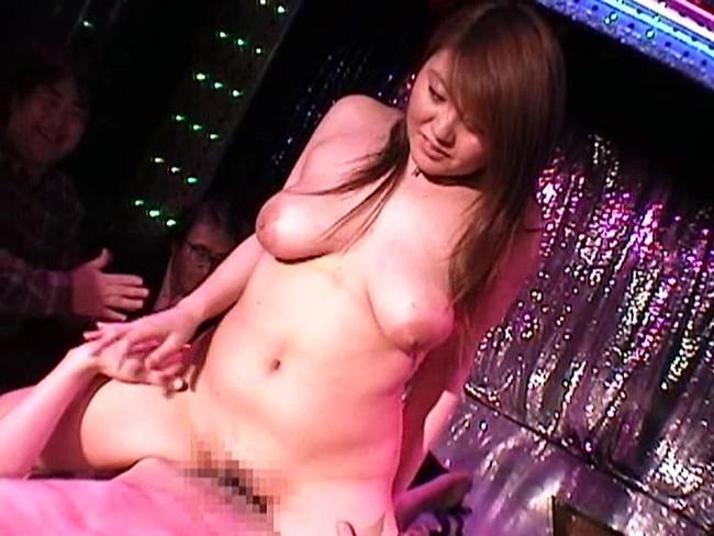 【おっぱい】昭和のいい時代を感じさせてくれるストリップ劇場のストリッパーの女の子のおっぱい画像がエロすぎる!【30枚】 05
