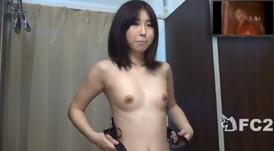 【おっぱい】試着室でエッチなことをしまくっている女の子のおっぱい画像がエロすぎる!【30枚】 25