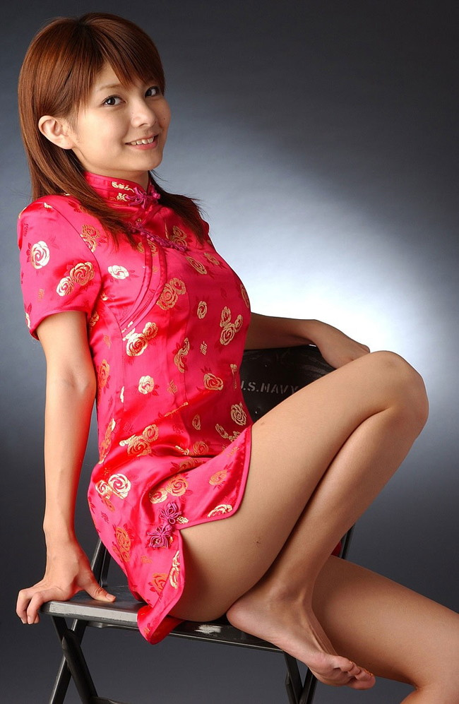 【おっぱい】チャイナドレスを着てこちらを魅了する綺麗なお姉さんのおっぱい画像がエロすぎる!【30枚】 14