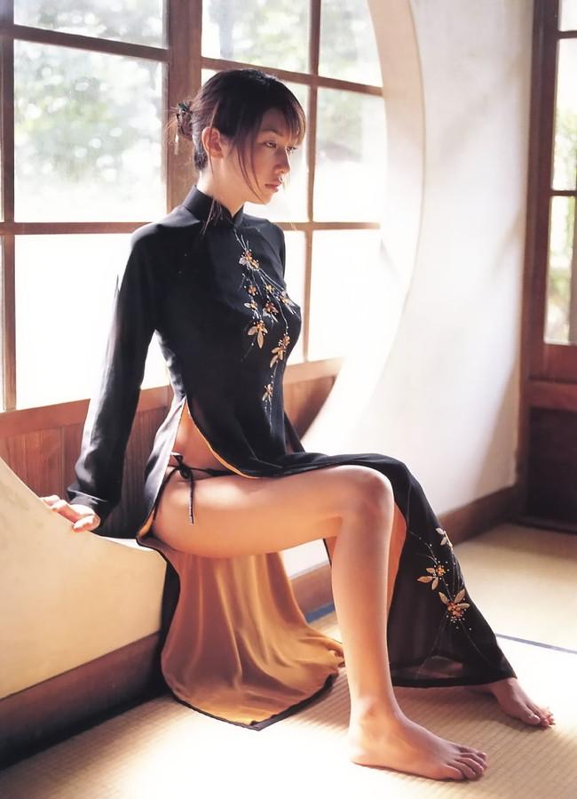 【おっぱい】チャイナドレスを着てこちらを魅了する綺麗なお姉さんのおっぱい画像がエロすぎる!【30枚】 22