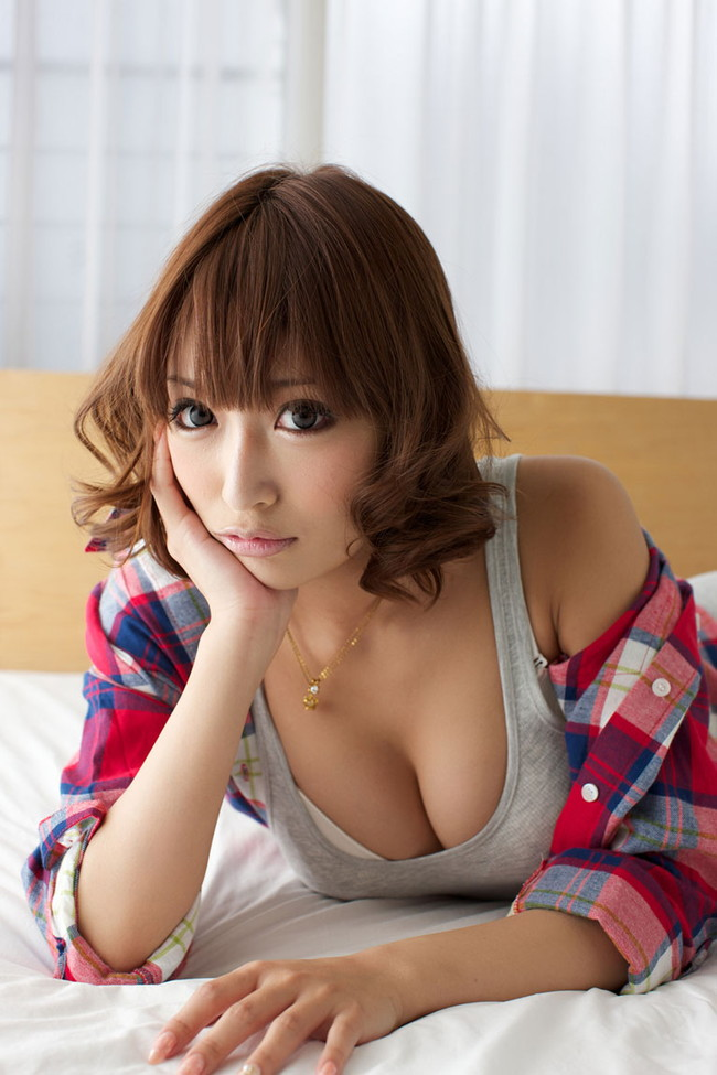【おっぱい】日本人離れした最高の美女・明日花キララちゃんのおっぱい画像がエロすぎる!【30枚】 16