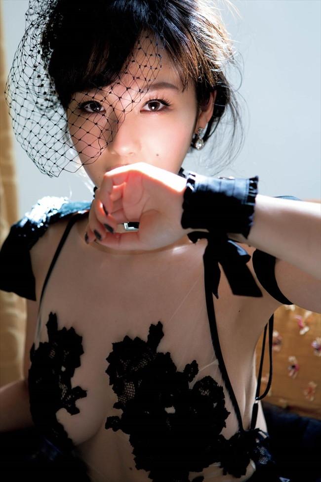 【おっぱい】歌手としてもナイスバディで大人気な谷村奈南さんのおっぱい画像がエロすぎる!【30枚】 10