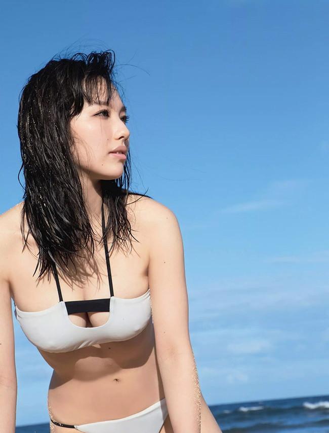 【おっぱい】歌手としてもナイスバディで大人気な谷村奈南さんのおっぱい画像がエロすぎる!【30枚】 14