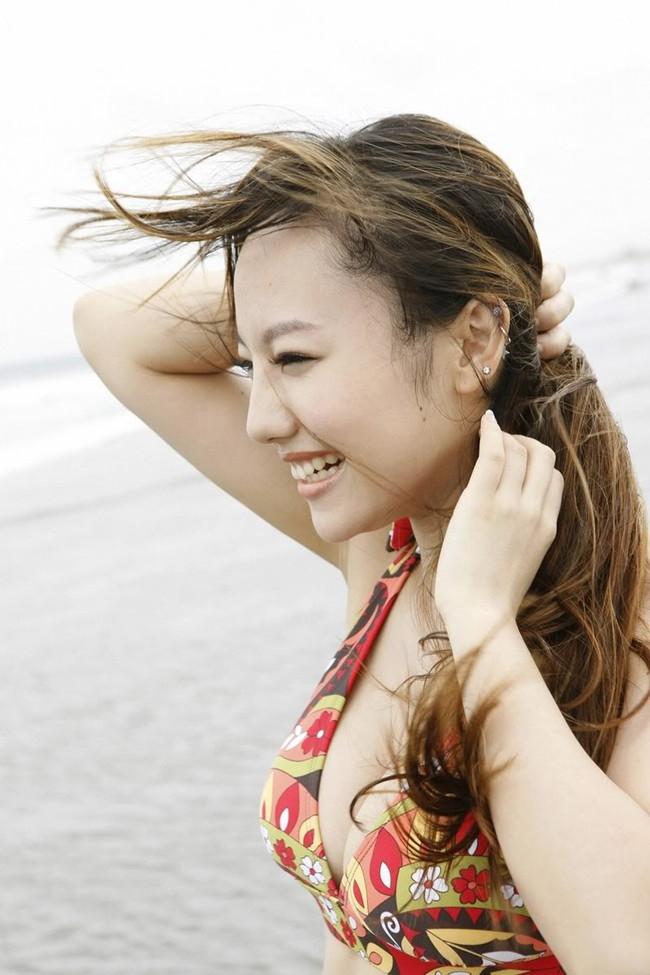 【おっぱい】歌手としてもナイスバディで大人気な谷村奈南さんのおっぱい画像がエロすぎる!【30枚】 17