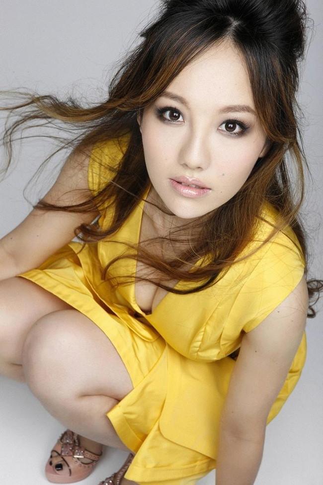 【おっぱい】歌手としてもナイスバディで大人気な谷村奈南さんのおっぱい画像がエロすぎる!【30枚】 20