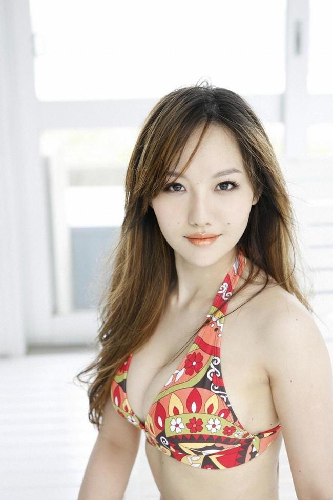 【おっぱい】歌手としてもナイスバディで大人気な谷村奈南さんのおっぱい画像がエロすぎる!【30枚】 24