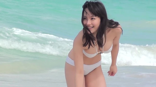 【おっぱい】歌手としてもナイスバディで大人気な谷村奈南さんのおっぱい画像がエロすぎる!【30枚】 28