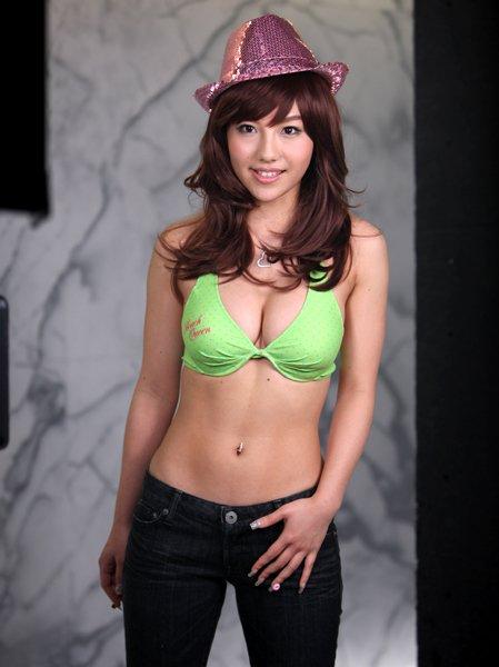 【おっぱい】歌手としてもナイスバディで大人気な谷村奈南さんのおっぱい画像がエロすぎる!【30枚】 29