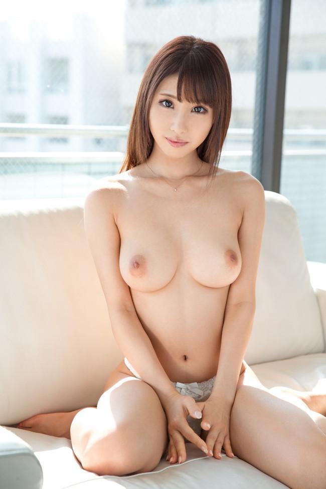 【おっぱい】可愛くて綺麗で美乳の持ち主・あやみ旬果ちゃんのおっぱい画像がエロすぎる!【30枚】 17
