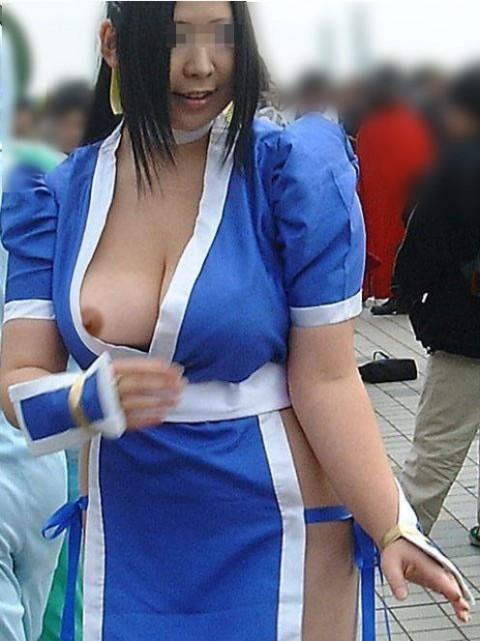 【おっぱい】コミックマーケットに来ているコスプレイヤーな女の子のおっぱい画像がエロすぎる!【30枚】 27