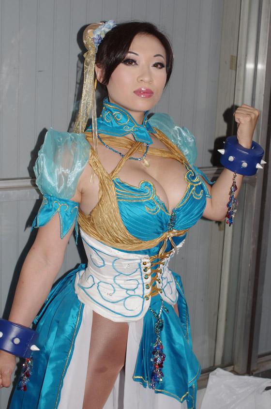 【おっぱい】東京ゲームショーで案内してくれるイベントコンパニオンの女の子のおっぱい画像がエロすぎる!【30枚】 18