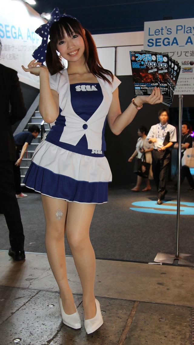 【おっぱい】東京ゲームショーで案内してくれるイベントコンパニオンの女の子のおっぱい画像がエロすぎる!【30枚】 21