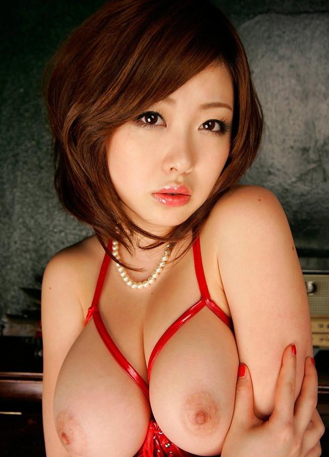 【おっぱい】Hカップを武器に出演しまくっていたAV女優・浜崎りおちゃんのおっぱい画像がエロすぎる!【30枚】