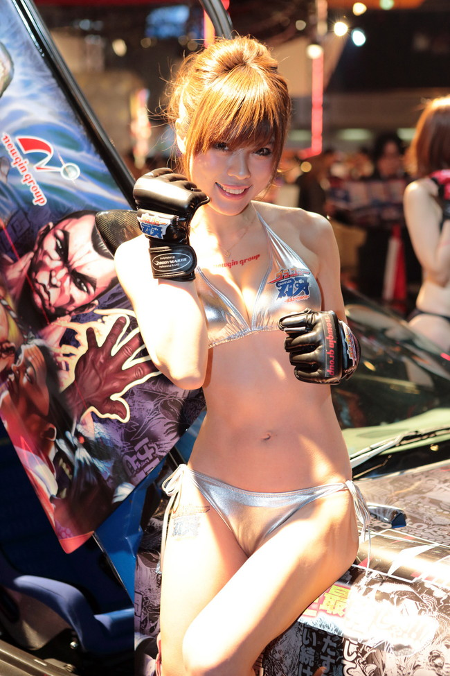 【おっぱい】東京オートサロンにいるキャンギャル、コンパニオンの女の子のおっぱい画像がエロすぎる!【30枚】 01