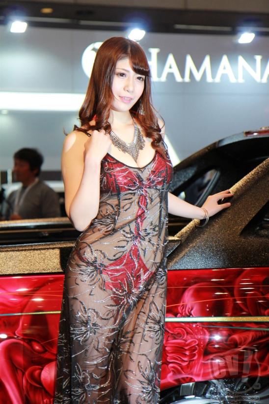 【おっぱい】東京オートサロンにいるキャンギャル、コンパニオンの女の子のおっぱい画像がエロすぎる!【30枚】 12