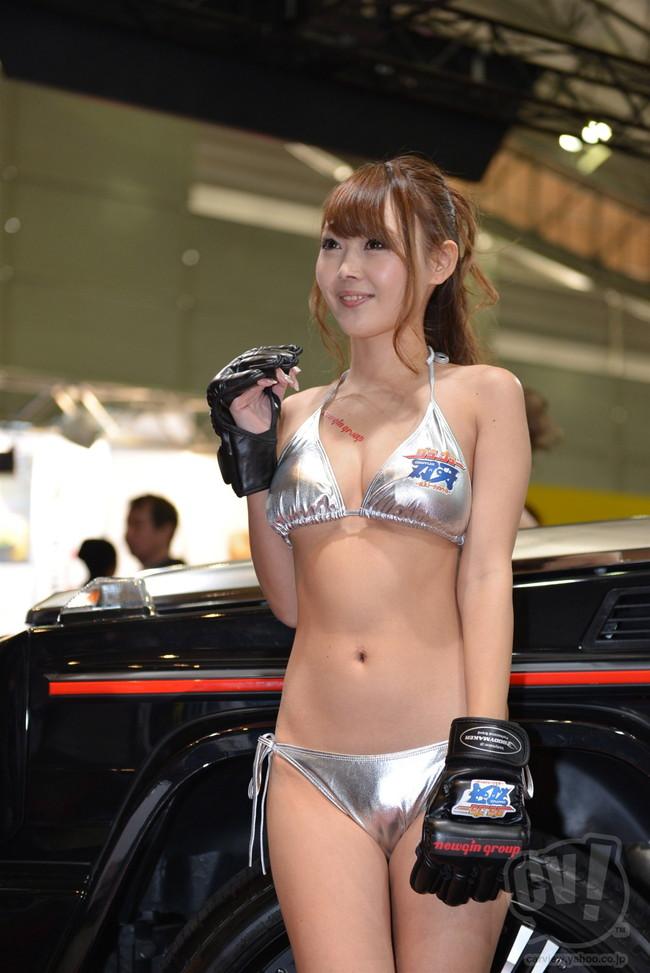 【おっぱい】東京オートサロンにいるキャンギャル、コンパニオンの女の子のおっぱい画像がエロすぎる!【30枚】 14