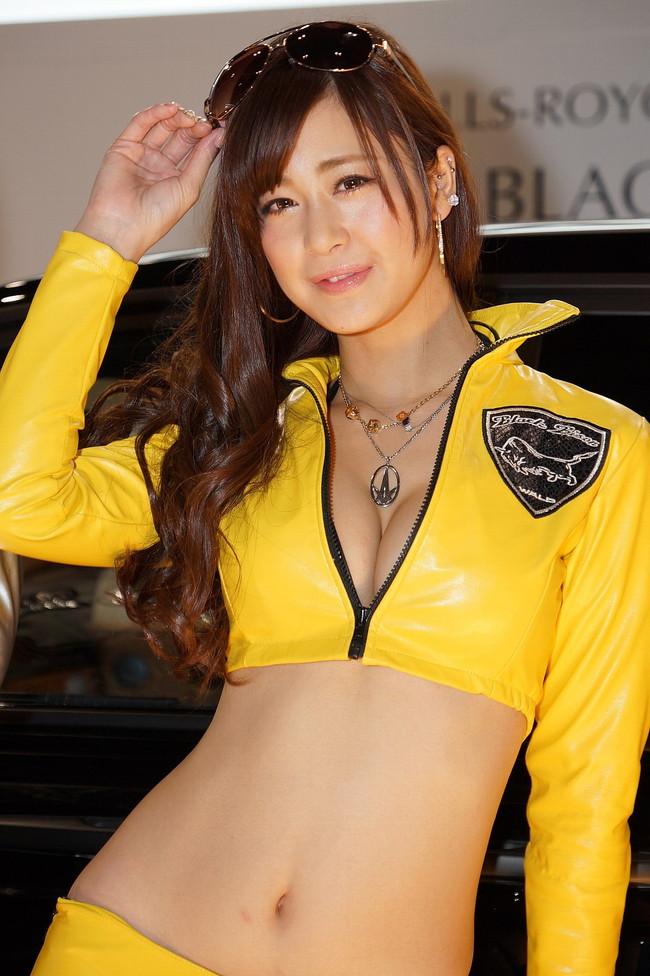 【おっぱい】東京オートサロンにいるキャンギャル、コンパニオンの女の子のおっぱい画像がエロすぎる!【30枚】 15