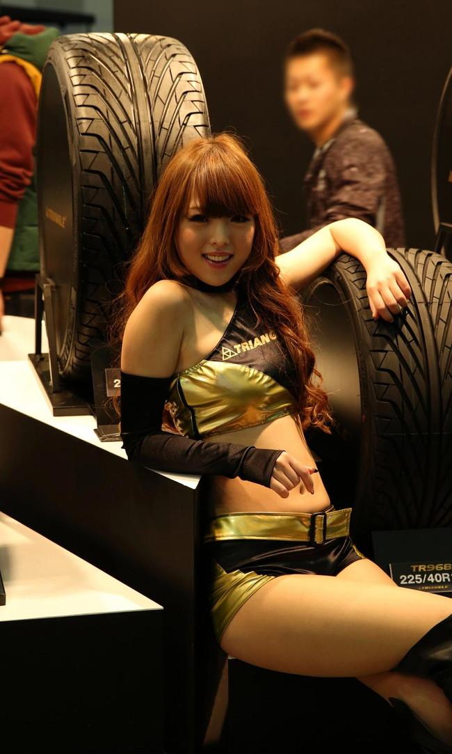 【おっぱい】東京オートサロンにいるキャンギャル、コンパニオンの女の子のおっぱい画像がエロすぎる!【30枚】 20