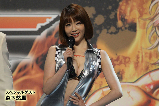 【おっぱい】東京オートサロンにいるキャンギャル、コンパニオンの女の子のおっぱい画像がエロすぎる!【30枚】 26