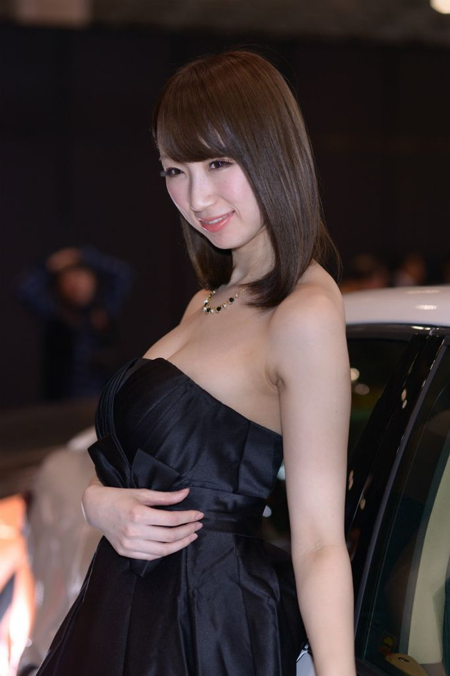 【おっぱい】東京オートサロンにいるキャンギャル、コンパニオンの女の子のおっぱい画像がエロすぎる!【30枚】 29