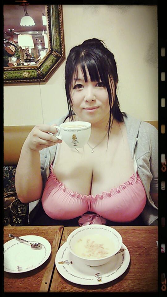 【おっぱい】ポッチャリ可愛いPカップ爆乳声優の星間美佳さんのおっぱい画像がエロすぎる!【30枚】 06